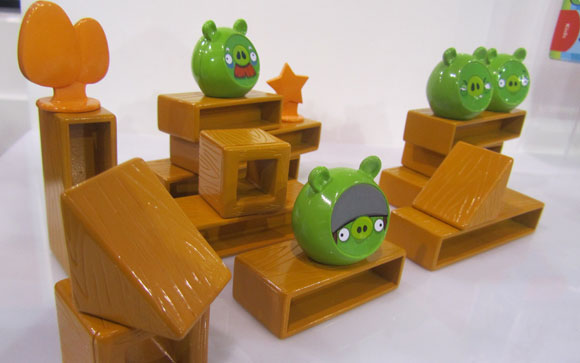angry-birds-knock-on-wood-3