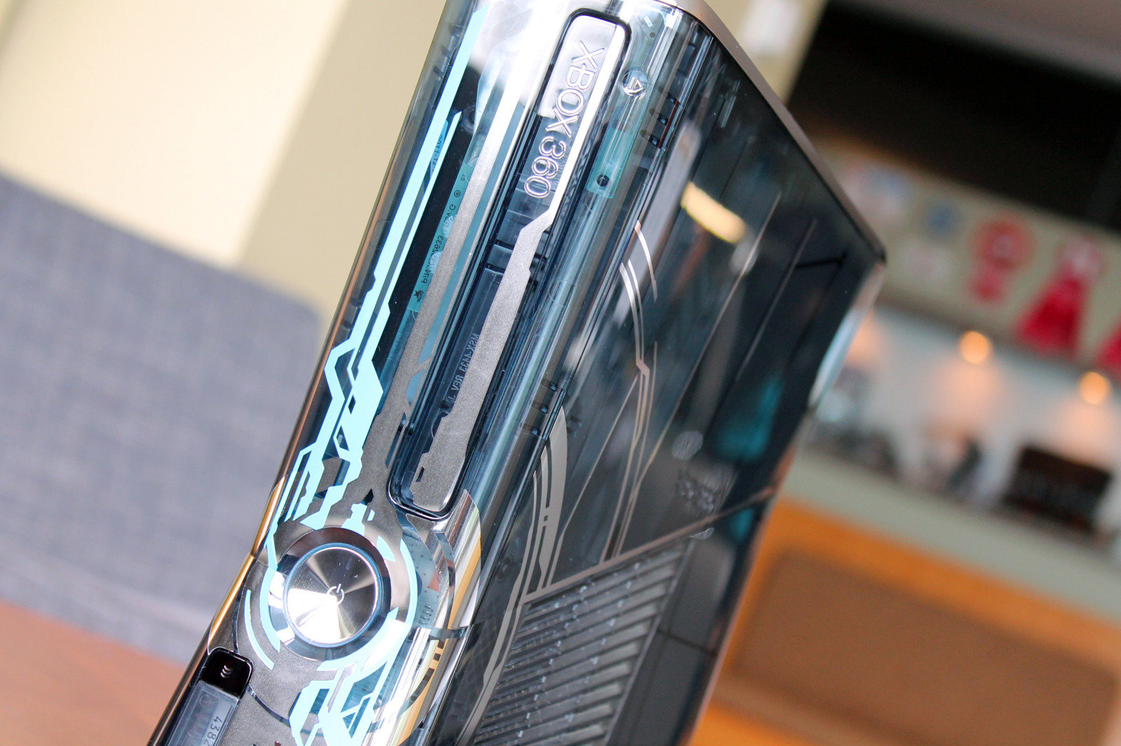 halo_4_xbox_360_console-9