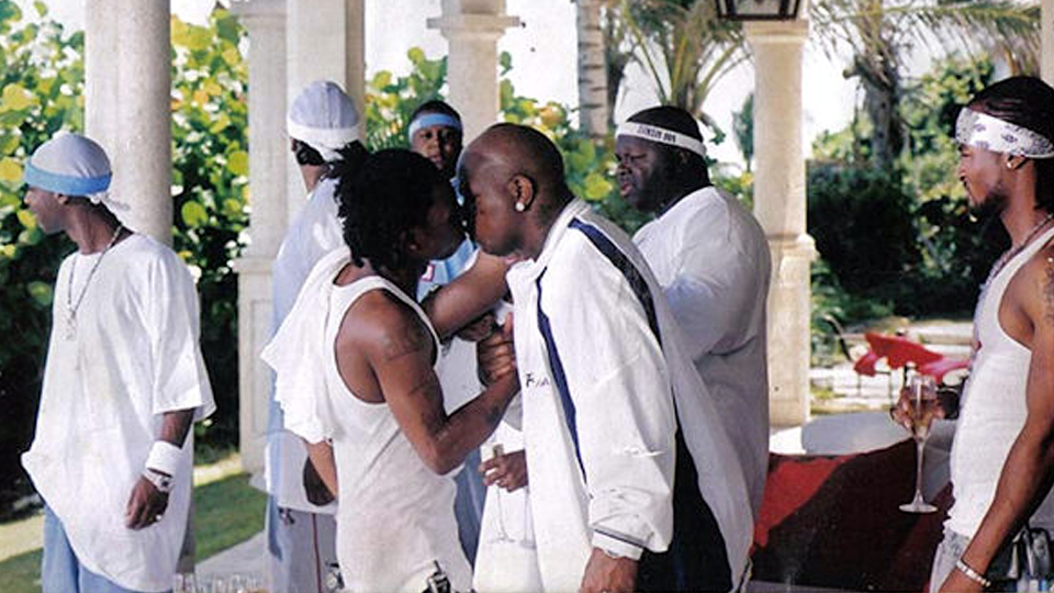 lil wayne kissing birdman embarrassing